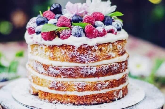 naked cake en bodas