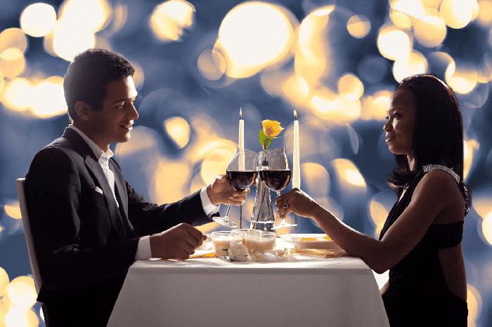 Haz una cena romántica para aniversario